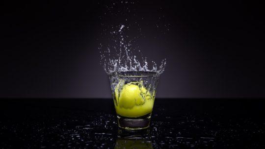 Coś na zgagę, domowe sposoby na zgagę – cytryna